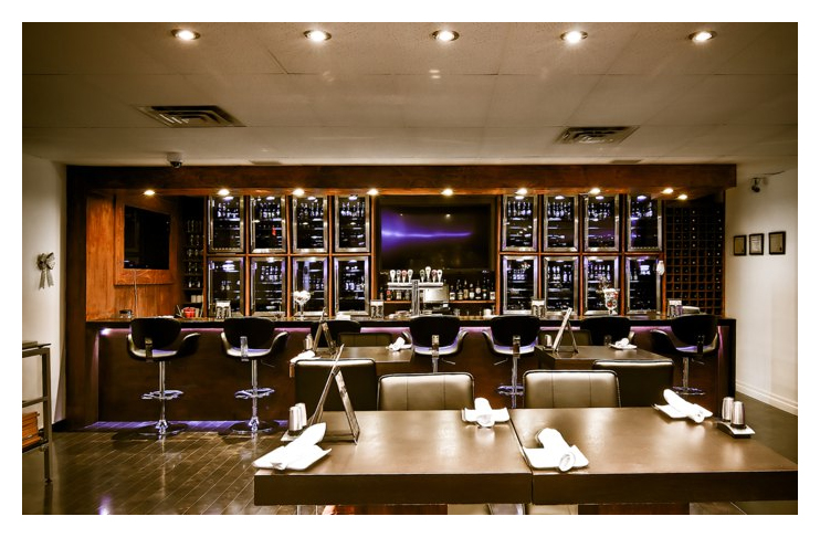 Draft Picks Sports Bistro_Taddeo_wide shot of bar